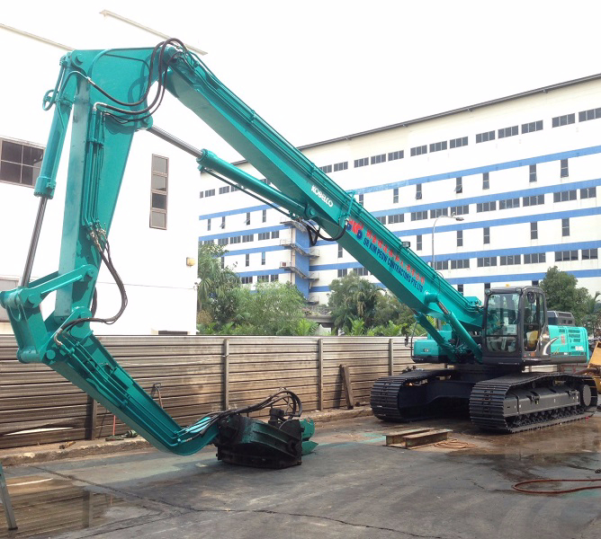 excavator-with-triple-articulate